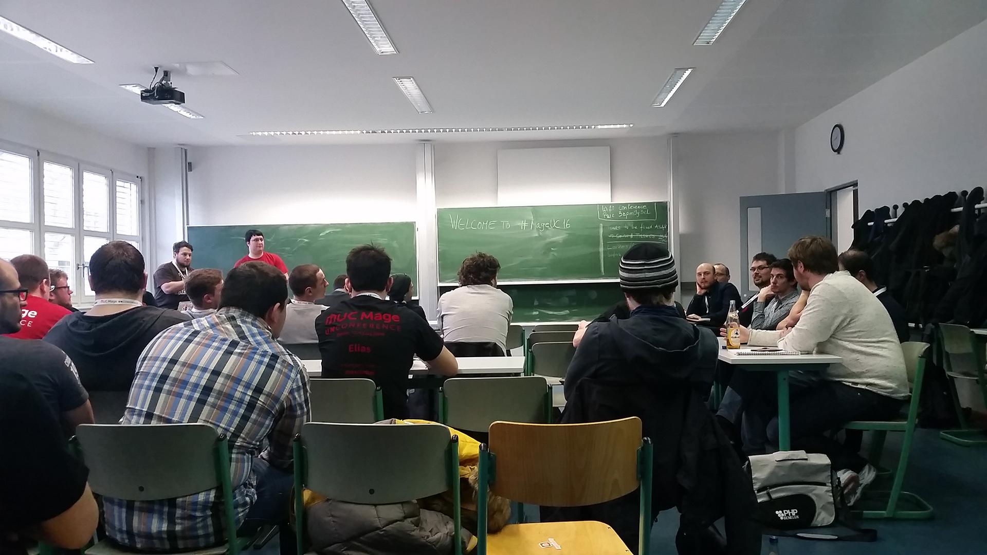 Diskussion zum Deployment von Magento 2 bei der Mage Unconference 2016