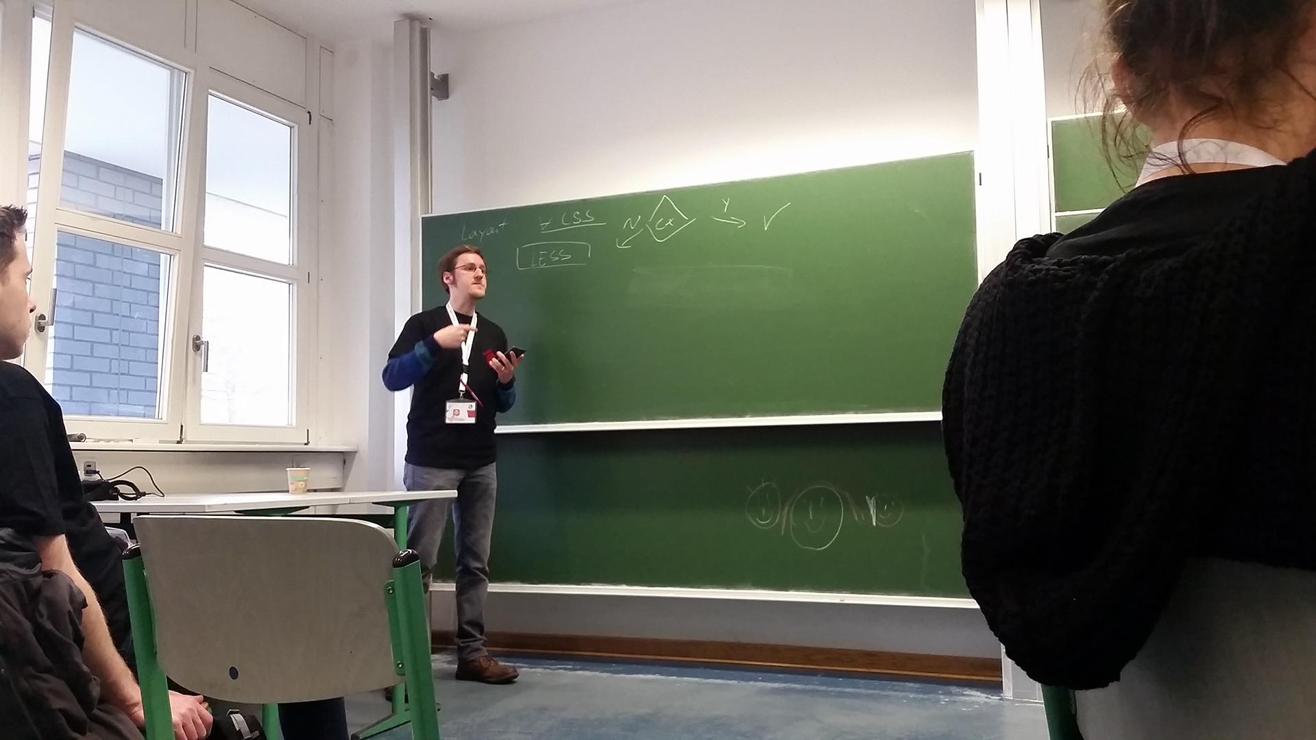 Sandro über den Frontend-Workflow in Magento 2 bei der Mage Unconference 2016