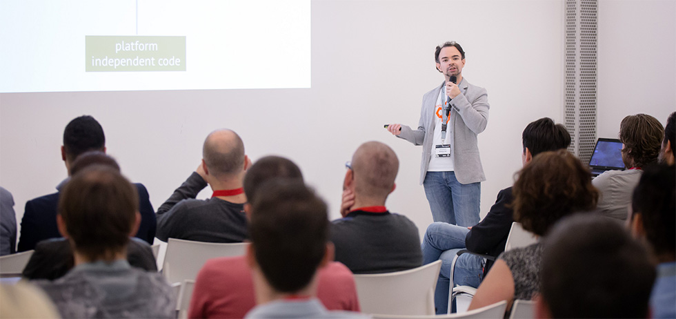 "Talk ""Migrating from Magento 1 to Magento 2"" in Utrecht 2016 (c) Dutchento"